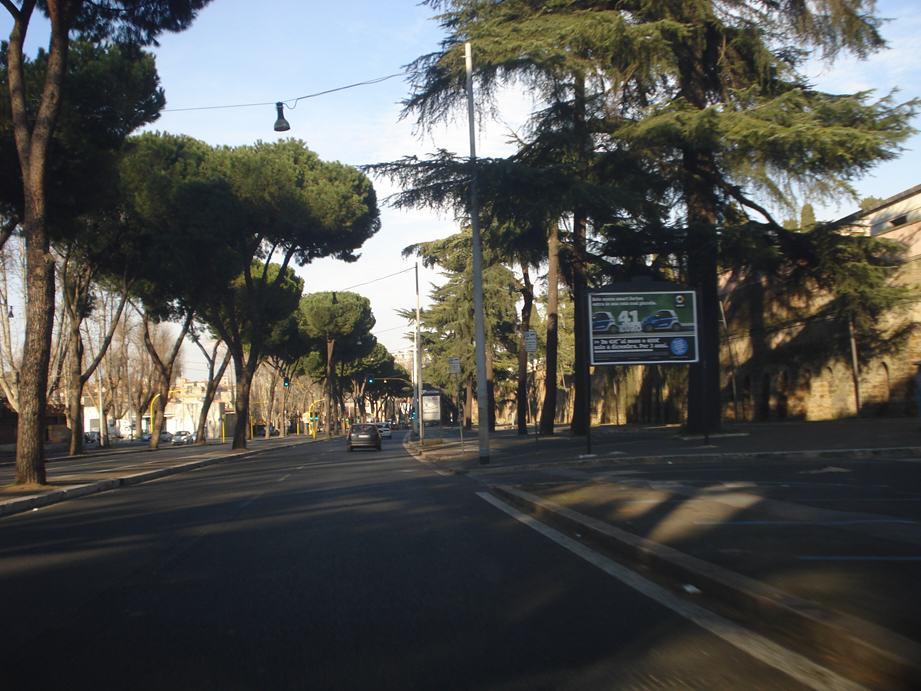 GREGOR 113 Piazzale del Verano Via Tiburtina fronte civ. 217 direzione tangenziale