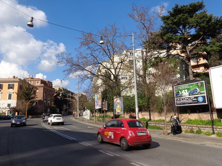GREGOR 317 - Viale delle Medaglie D'Oro 313 fronte Via Marziale altezza Esso -