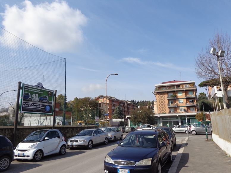 GREGOR 376 - Via Adriano angolo Via Mattia Battistini fronte negozi