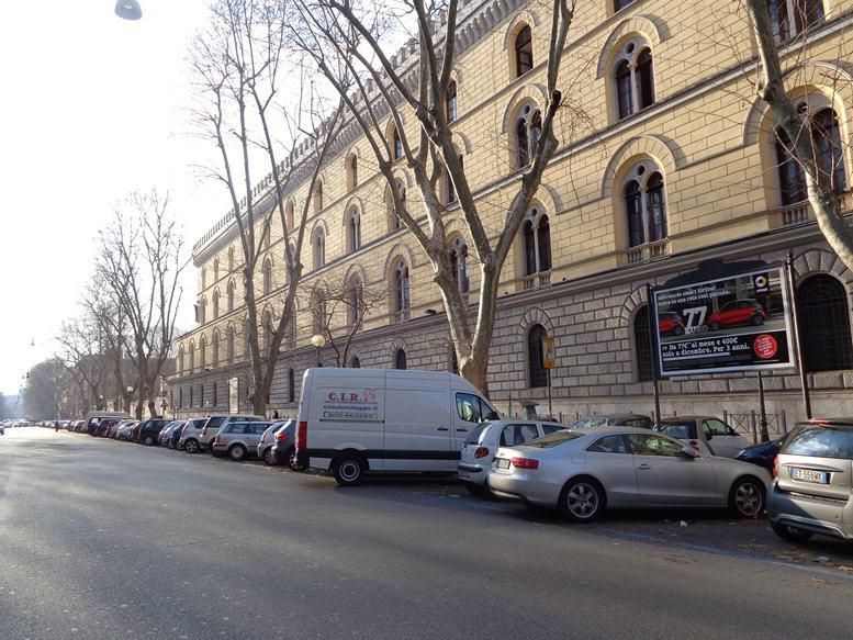 GREGOR 433 Viale Giulio Cesare altezza civ. 97 fronte Via Caio Mario